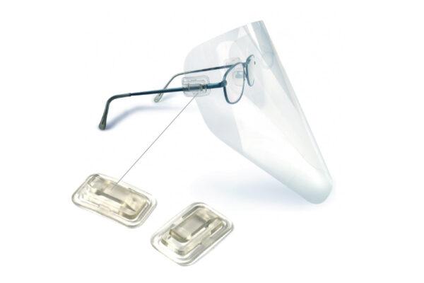 Clipes Clipon y viseras que protegen los lentes de los gafas.